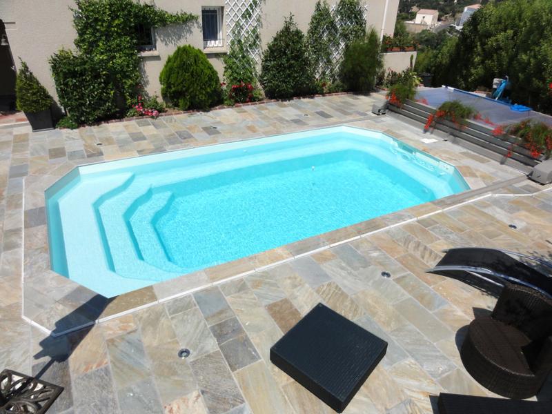 coque piscine 74